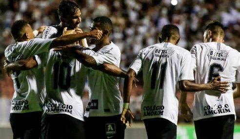 Corinthians toma susto, mas vence o Capital-TO