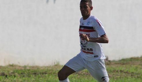 Joia do River/PI de 17 anos é promovido ao profissional e relembra dias difíceis
