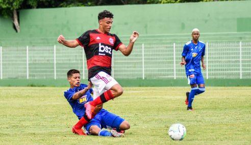 Atual campeão, Flamengo bate Cruzeiro em sua estreia no Brasileirão Sub-17