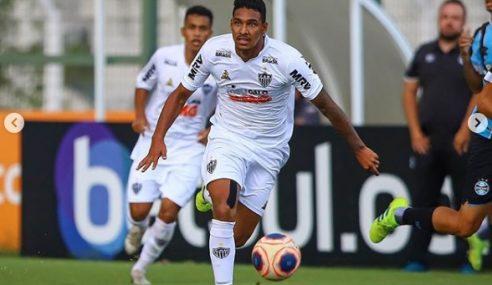 Atlético-MG renova contrato de lateral-esquerdo do sub-20