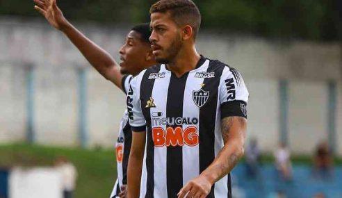 Jornal indica interesse de Porto por zagueiro do Atlético-MG, que tenta renovação