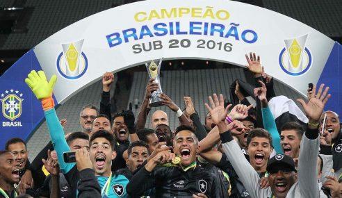 #TBT: Meia fala de título do Botafogo no Brasileirão sub-20 de 2016