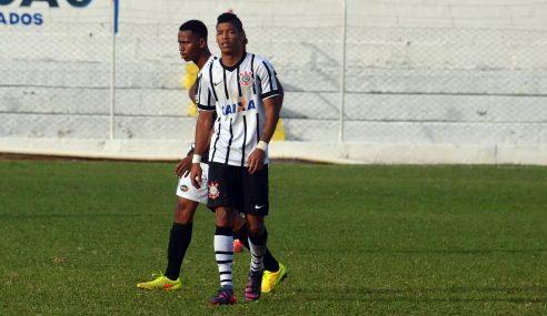 #TBT: atacante valoriza força do grupo do Corinthians campeão da Taça BH 2015