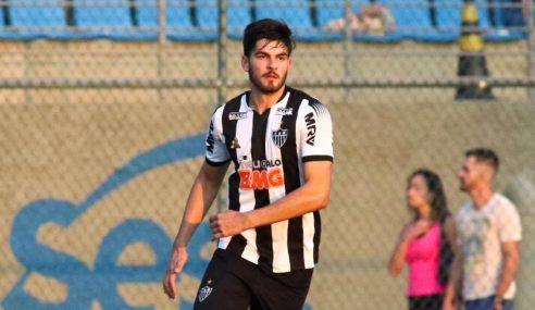Zagueiro do Atlético-MG se inspira em grandes nomes para chegar à Seleção Brasileira