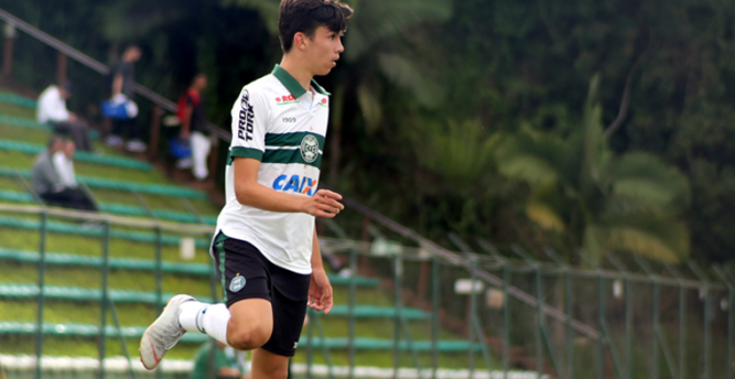 Meia do sub-20 do Coritiba, Biel relata sua rotina na quarentena