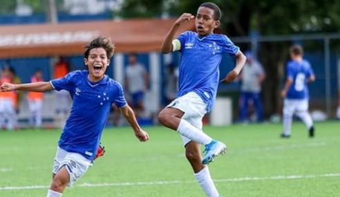 Cruzeiro cria comissão para avaliar contratos com atletas da base