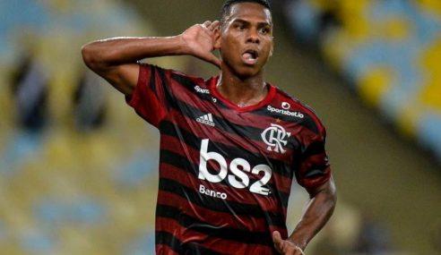 Flamengo pode emprestar duas promessas ao Farense-POR