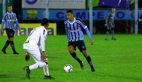 Grêmio exerce opção de compra de Diego Rosa junto ao Vitória