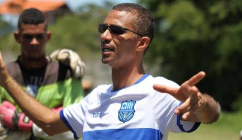Técnico desde os 16 anos, Edson Fabiano define metas para o time sub-20 do Olímpia