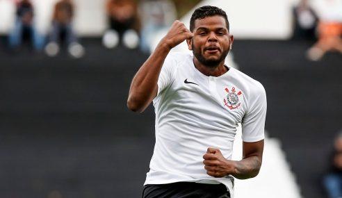Corinthians estende vínculo com artilheiro do sub-20