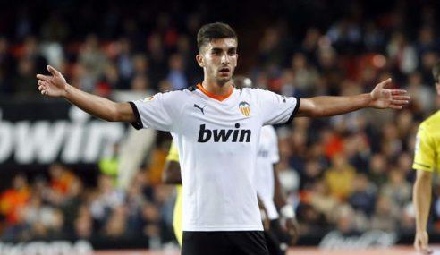 Manchester City-ING contrata promessa do Valencia-ESP