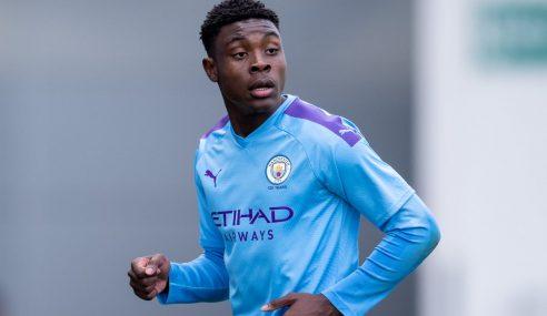 Fisayo Dele-Bashiru troca Manchester City-ING por Sheffield Wednesday-ING