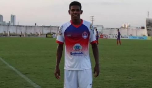 Ceará contrata volante destaque do futebol paraibano