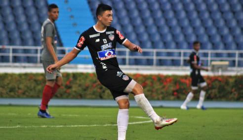 Meia colombiano entra na mira do Vasco