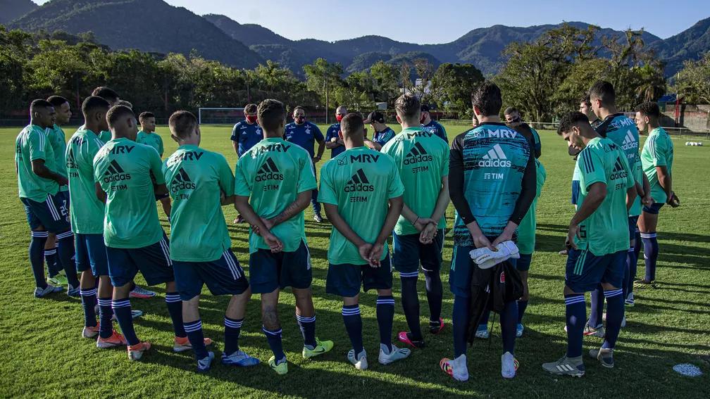 Flamengo retoma treinos do sub-20 com elenco dividido