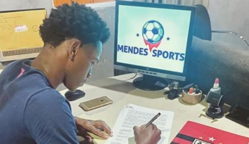 Atlético-GO renova contrato com volante de 17 anos