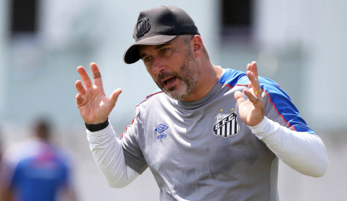 Técnico do sub-20 assume equipe B do Santos