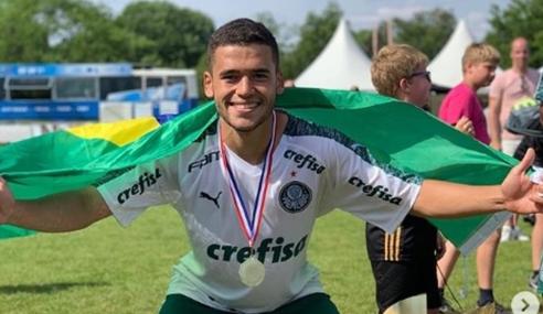 Bahia confirma contratação de zagueiro ex-Palmeiras