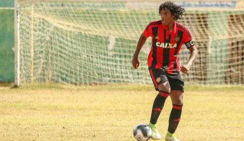 Zagueiro com passagens pela seleção fecha com o São Paulo