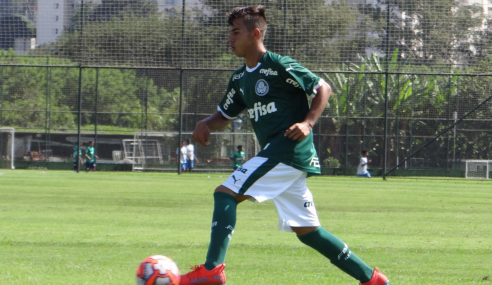 Palmeiras assina primeiro contrato profissional com meia boliviano