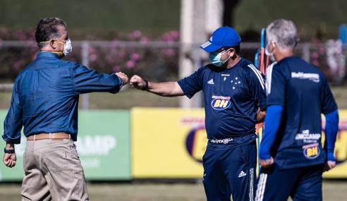 Diretor do Cruzeiro analisa integração com a base e contratações de jovens jogadores