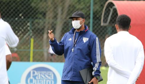 Equipe sub-20 do São Paulo volta aos treinos em Cotia