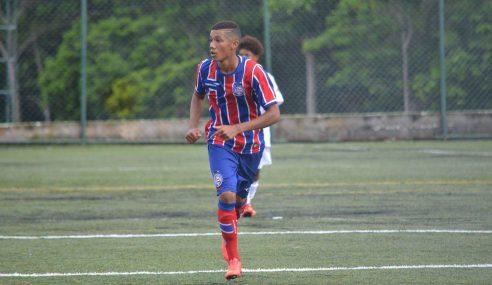 Meia rescinde com o Bahia e vai para o Corinthians