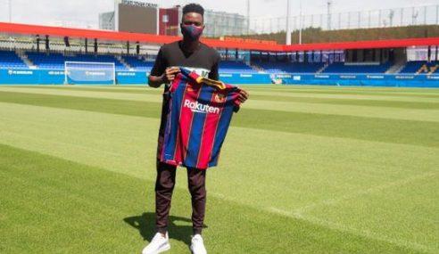 Barcelona-ESP apresenta zagueiro senegalês de 18 anos