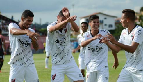 Com trabalho sólido, Athletico-PR tenta surpreender no Brasileirão sub-20