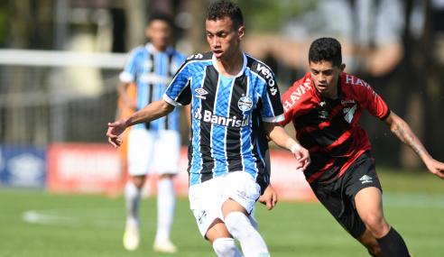 Grêmio bate Athletico-PR fora de casa e vence a primeira no Brasileirão sub-20