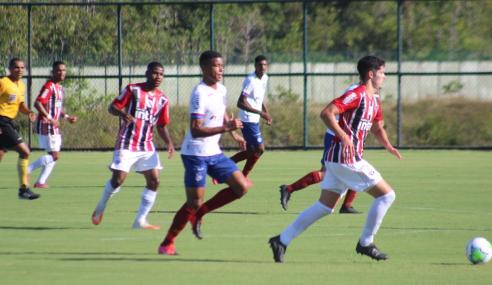 São Paulo vira sobre o Bahia e assume a liderança do Brasileirão sub-20
