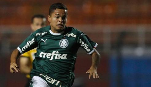 Palmeiras acerta retorno de promessa, que assina por três anos