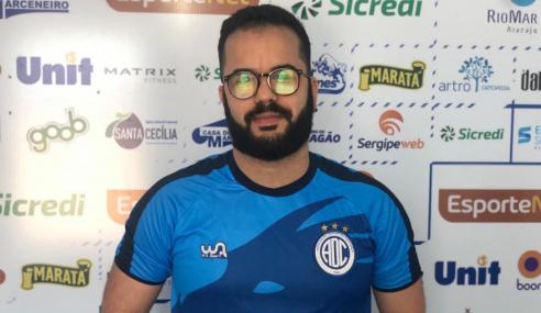 Confiança anuncia Caio Simões como técnico do time sub-20