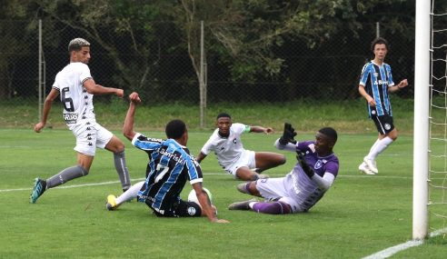 Grêmio pressiona, mas fica no 0 a 0 com o Botafogo pelo Brasileirão sub-20