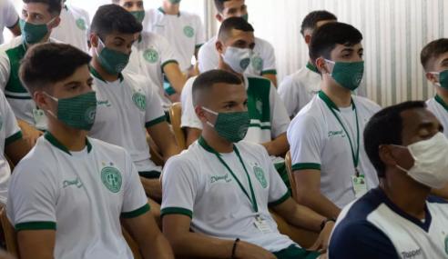 Base do Guarani volta aos treinos em Campinas