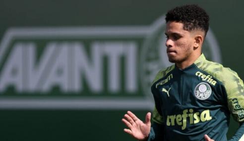 Campeão mundial com a seleção sub-17, zagueiro do Palmeiras opera o joelho