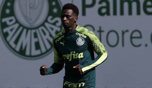 Palmeiras oficializa a contratação de meia equatoriano para o sub-20