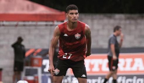 Corinthians fecha com zagueiro do Vitória para a base