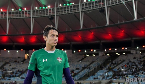 Fluminense acerta venda de goleiro ao Liverpool