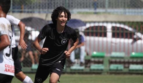 Promessa do Botafogo, Matheus Nascimento desperta interesse de clube espanhol