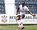 Corinthians promove zagueiro ao time profissional e encaminha renovação