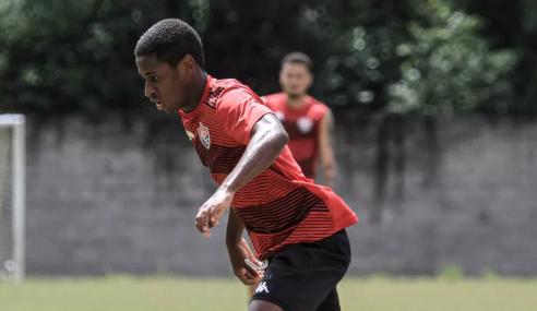 Vitória promove atacante ao profissional; John e Figueiredo reforçam sub-20 no Brasileirão