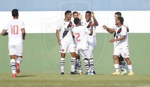 Vasco bate o Vitória e vence a primeira no Brasileirão sub-20