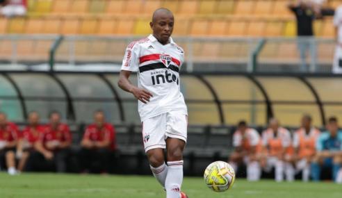 Cruzeiro sonda lateral-esquerdo da base do São Paulo