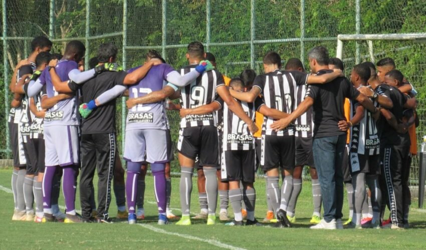 Botafogo goleia o então invicto Madureira, pelo Carioca sub-20