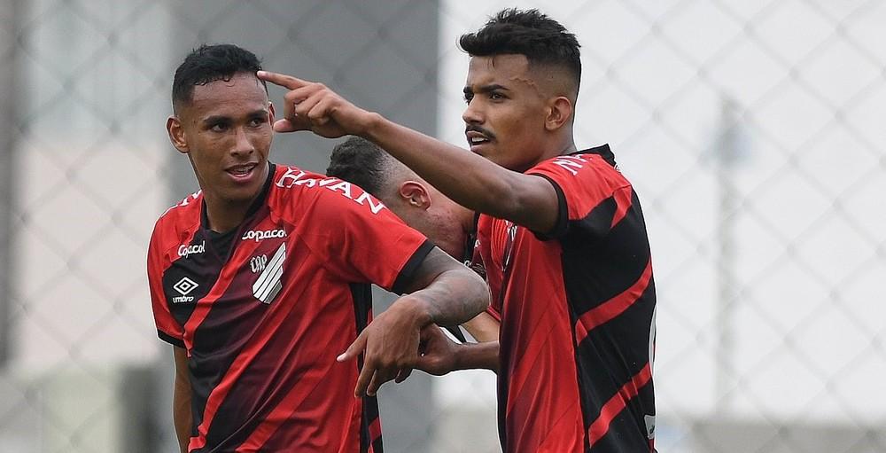 Athletico-PR faz 2 a 0 no Fluminense, pelo Brasileiro sub-20