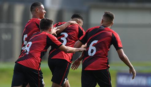 Athletico-PR goleia Cruzeiro e entra no G-4 do Grupo B no Brasileirão sub-17