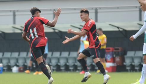 Athletico-PR goleia Goiás por 5 a 0 em jogo do Brasileirão sub-20