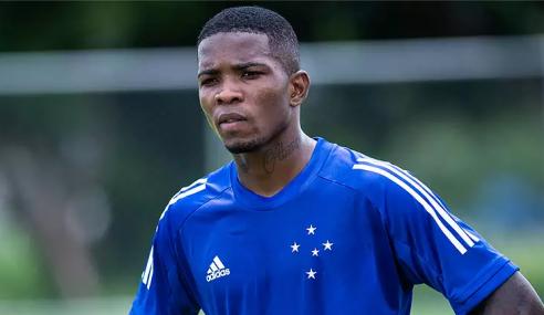 Cruzeiro recebe propostas por Cacá e Caio Rosa