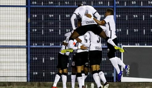 Corinthians faz três no Bahia e vence mais uma no Brasileirão sub-20